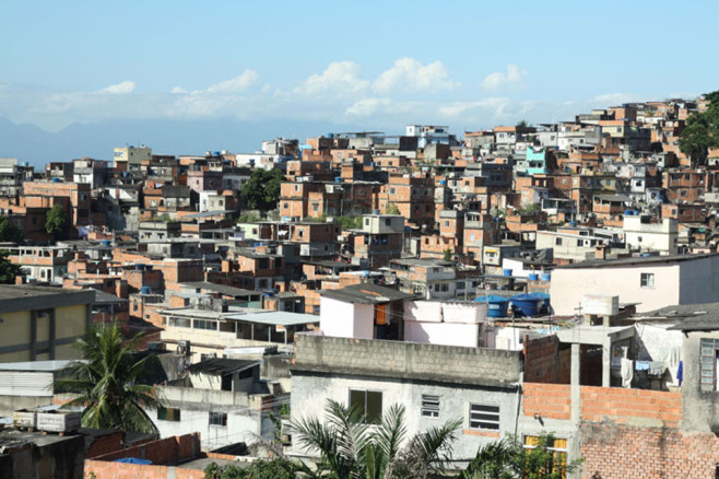 haas-and-hahn-favela-painting-project-2-658x438