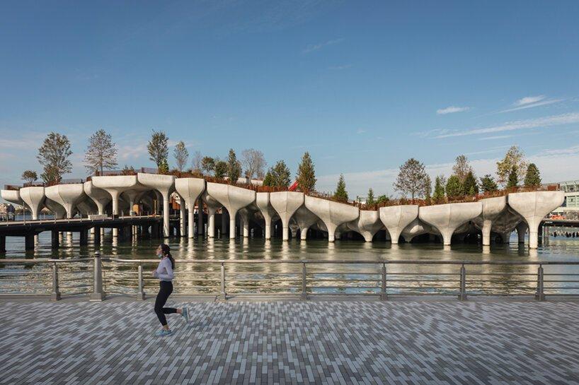 heatherwick-little-island-elevated-park-new-ork-city-completion-designboom-012